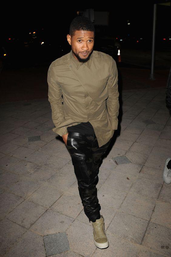 Usher manchado no Helmut Lang Flap Shirt & Rick Owens Sneakers imagem Usher