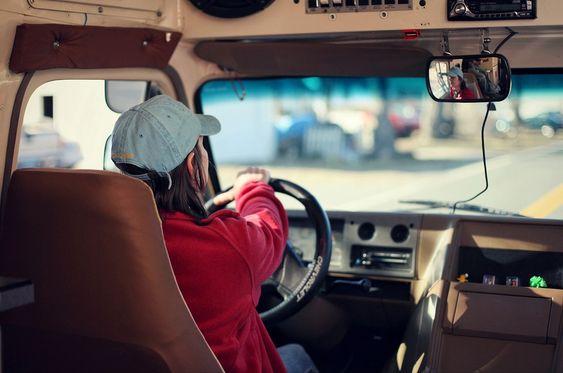 Teens Can Drive Trucks And Buses In Colorado El Buen Samaritano