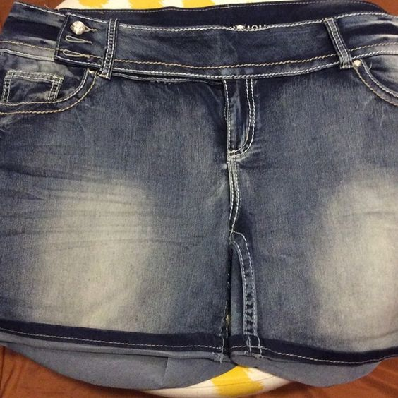 PLUS Shorts Nice wash and buttons on waistline Shorts Jean Shorts