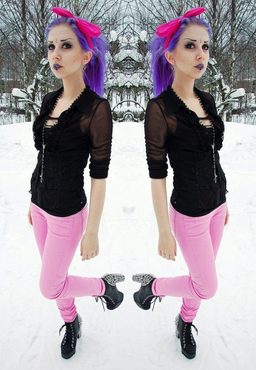 mix? nu goth? pastel nu goth? its the same, is lovely <3