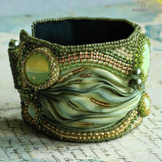 Mischka´s Fantastic Beadweaving: Tak nějak do zelena...