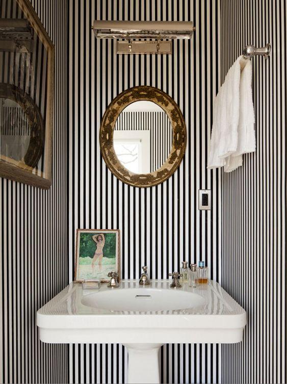 * wunderkammer *: Baños pequeños con papel pintado /// Kleine Badezimmer mit Tapeten /// Small bathrooms with wallpaper