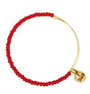 red sea bead bracelet  http://rstyle.me/n/qq2mnpdpe