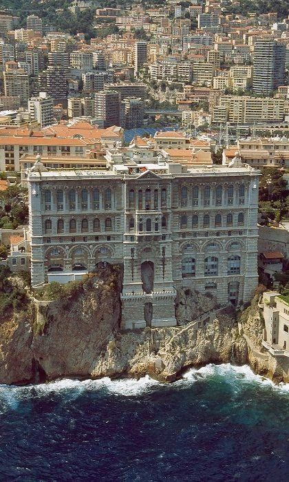 Totaly Outdoors: Grimaldi Palace - Monte Carlo, Monaco