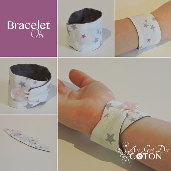 Bracelet Obi #braceletobi #unpetitcadeaupourfaireplaisir  Un bracelet ajusté à votre poignet, qui ne change pas de position à chaque mouvement ! Très confortable et 100% coton Fixé à l'intérieur avec une pression qui l'empêche de glisser, et refermé à l'extérieur par un bouton. Un message peut être brodé à l'intérieur…    Pour tous : femmes, hommes et enfants.  Dimensions : 4 cm par environ 20 cm (déplié)