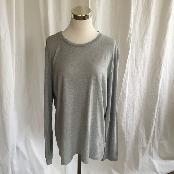 SALE! Ladies Sz L Gap 1969 Gray Long Sleeve Tee just $10.50
