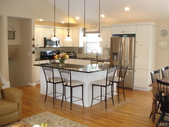 2 canterbury road norwalk ct 06851 beautifully for Kitchen ideas for split level homes