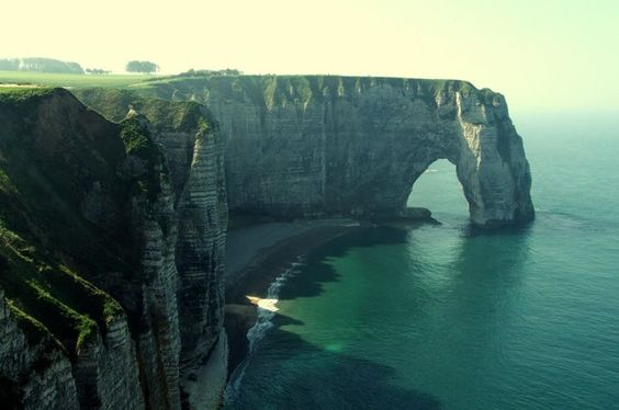 Carte postale 4 Hands - #Etretat #France http://bit.ly/1qsc0px #Voyager #CarteVirtuelle #Gratuite #Wallpapers