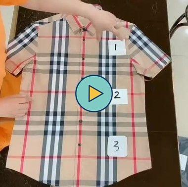 uma maneira muito fácil e rápido de dobra camiseta