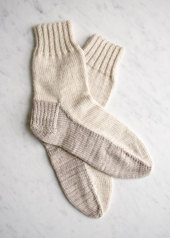 Seamed Socks - free pattern for an old-fashioned flat-knit sock - great for b...