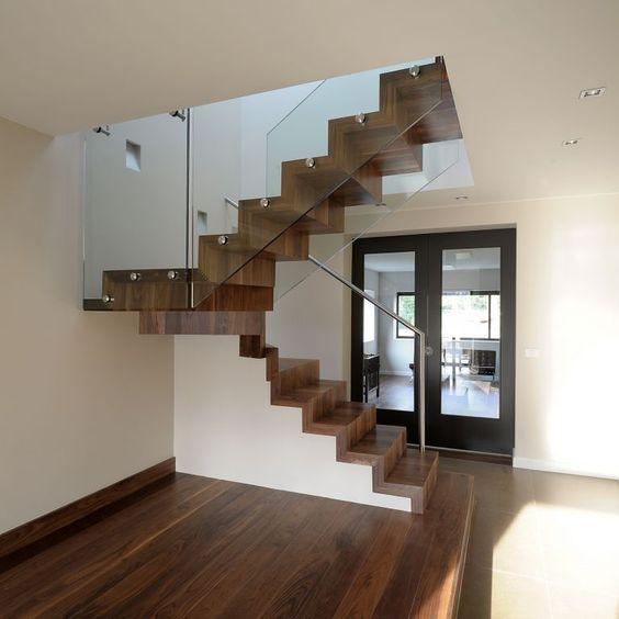 ... ? De mooiste L-trappen vindt u bij Trappen Smet : TRAPPEN : Pinterest