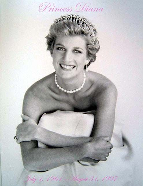 Princess Diana. She was ALWAYS so beautiful, but this is my favorite picture of her. What girl didn't want to be her?