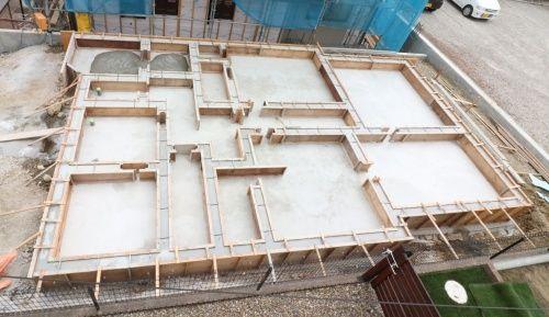 ベタ基礎工事 基礎立ち上がりコンクリート打設 注文住宅新築工事12