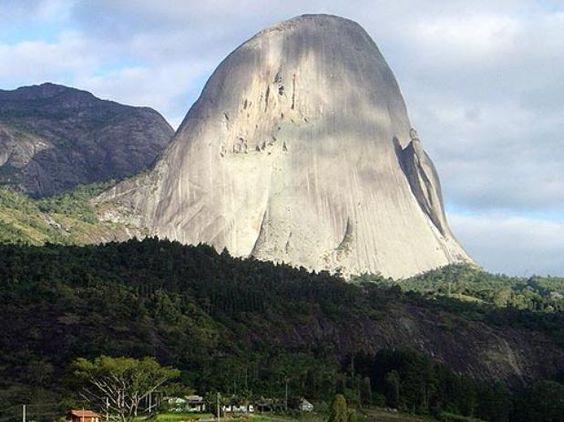 Pedra Azul é o cartão postal da cidade de Domingos Martins-ES-Brasil