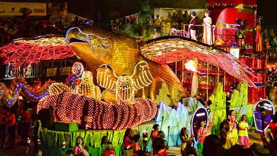 Lễ hội diễu hành đường phố hoành tráng ở Singpaore