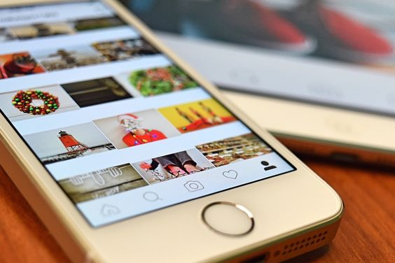 Images and videos on instagram in mobile