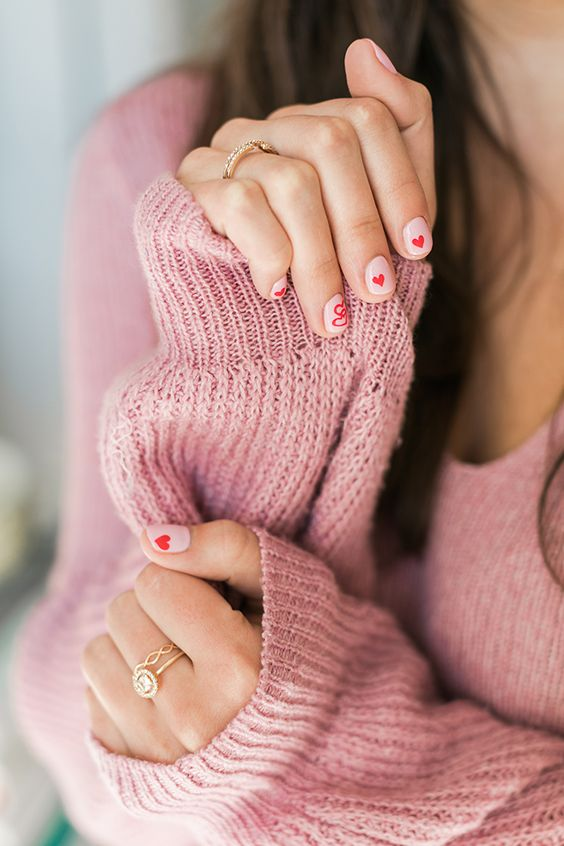 The sweetest heart manicure for V-Day: