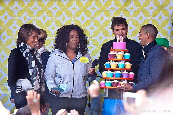 #Oprah Enjoying #Stuffed #Cupcakes at the 10th #Anniversary of #OMagazine!!