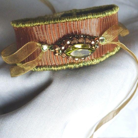 Bracelet Unique Cuivre Tissé et Bijou de verre, modèle unique fait main by Au fil de l'or