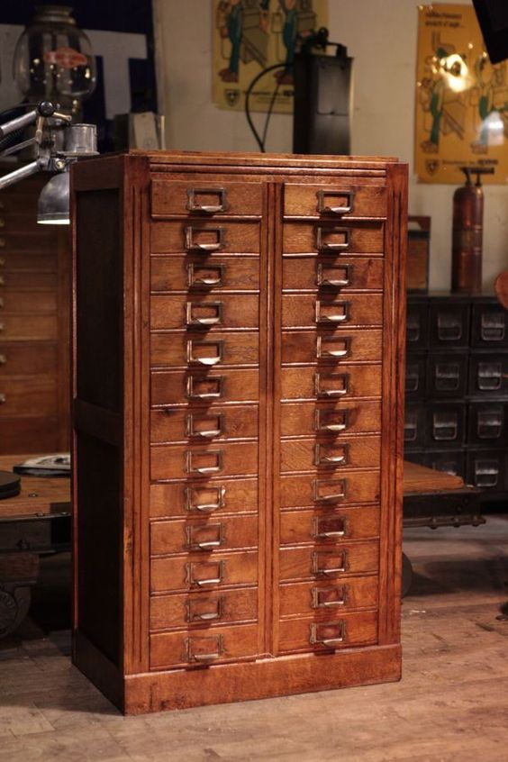Meuble de m tier d 39 opticien ancien deco loft apothecary cabinets pinterest d co et loft - Meuble de metier ancien ...