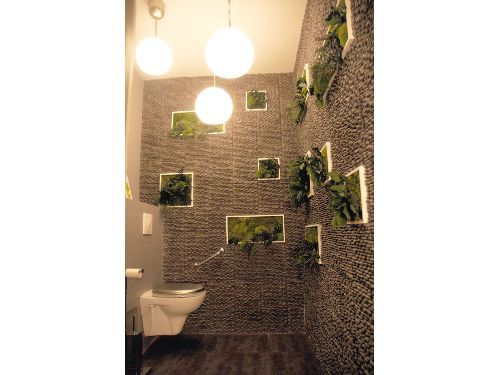 vue toilettes wc pizzeria ambiance zen avec galets et tableaux v g taux d coration wc original. Black Bedroom Furniture Sets. Home Design Ideas