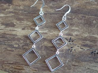 Sterling Silver Progressively sized diamond shaped Earrings