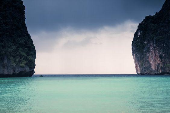 mar entre rocas