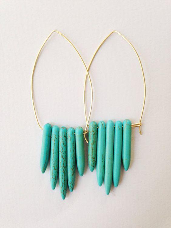 Pendiente de alambre con turquesa collar por azadouhijewelry, $30.00