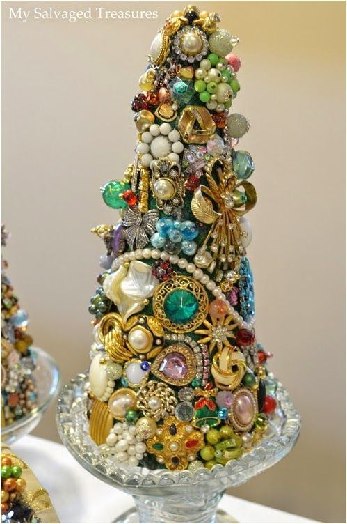 Jewelry Displays When You Ve Got Plenty Of Pieces Of Jewelry You Need A High Quality Jewelle Jewelry Christmas Tree Jeweled Christmas Jeweled Christmas Trees
