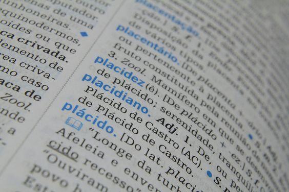 Redigir excelentes textos sabendo a importância da propriedade vocabular. Aula gratuita de português com várias artigos sobre redação e gramática.