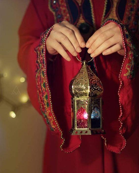 خلفيات بنات حاملة فانوس رمضان 2019 فوتوجرافر Ramadan Images Ramadan Kareem Decoration Muslim Ramadan