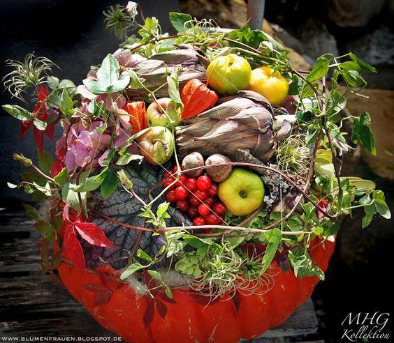 B l u m e n - F r a u e n: Kürbis mit doppeltem Nutzen #pumkin #eatable decoration #diy #floristic #Kürbisse #essbare Dekoration #autumn #Herbst #decoration #Dekoration #tutorial #Anleitung