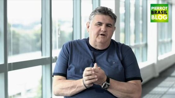 Pierre Ménès fracasse les arbitres de la Coupe du Monde - http://www.actusports.fr/108570/pierre-menes-fracasse-les-arbitres-coupe-du-monde/