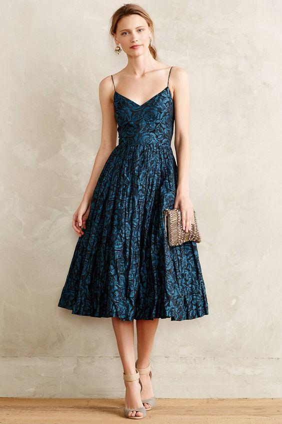 Look vestido simples e delicada para festas