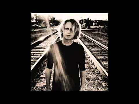 Martin Gore - Candy Says. Beautiful Velvet Underground cover, quiet and meditative. The world of MLG : http://www.martingore.com/ & http://en.wikipedia.org/wiki/Martin_Gore