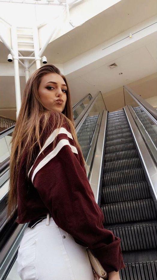 Shopping Mall Girl Fashion Cute Pinterest Bellasharpton Instagram Bxll4 Shopping Photography Shopping Mall Girl Shopping Pictures