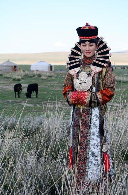 Traje tradicional de Mongolia