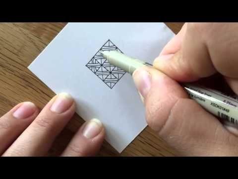 Lerne mit dieser Anleitung, das Zentangle Muster namens B'Twined von Pegi Shargel zu zeichnen. Weitere Muster gibt es auf http://bunte-galerie.de/zentangle-m...