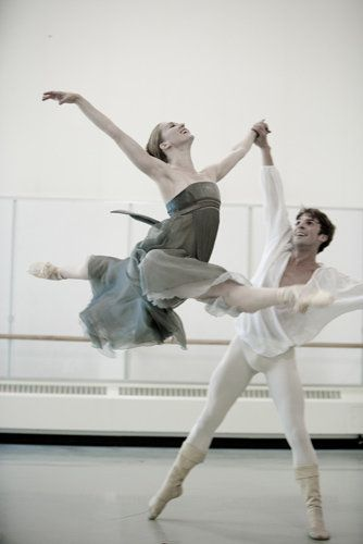 Carla Körbes and Lucien Postlewaite rehearsing Jean-Christophe Maillot's Roméo et Juliette.  Photo by Angela Sterling.