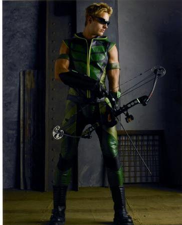 Green Arrow Poster Justin Hartley 24x36