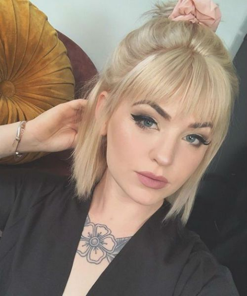 Sweet And Stylish Half Up Blonde Hairstyles With Bangs For Women Blonde Hair With Bangs Short Blonde Hair Hairstyles With Bangs