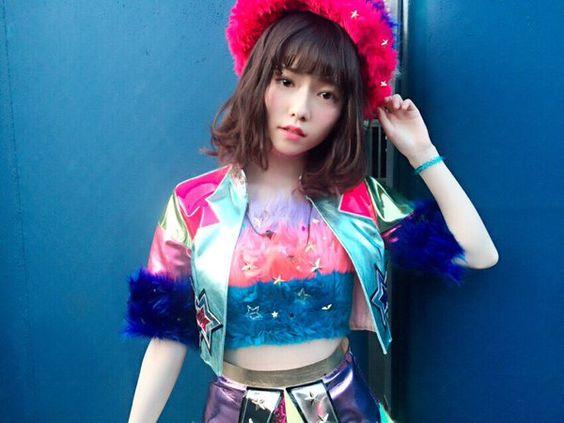 アイドル衣装の島崎遥香