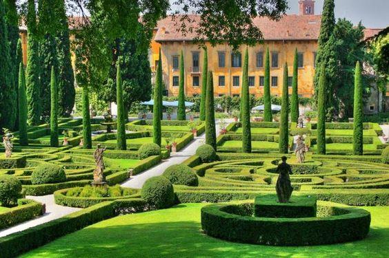 plan de jardin classique et déco méditerranéenne