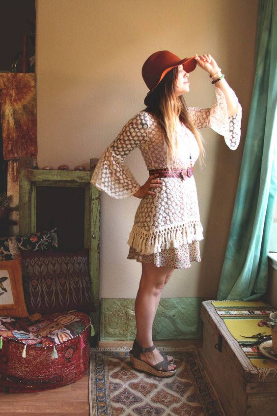 THREADS // CROCHET MINI DRESS — Roots and Feathers Blog