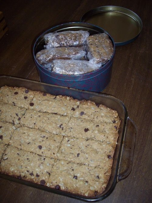 Preparing Emergency Food For Your Bug Out Bag Think Camping And Save Money With Images Food Emergency Food Food Rations