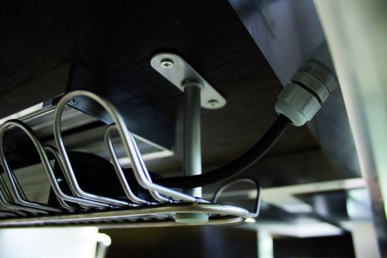 Hidden cable passage ducting  //  ---  //  Canalizzazione passacavi nascosta