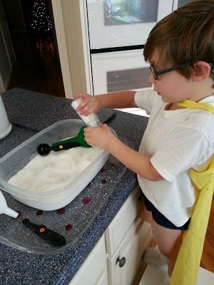 Play Create Explore: Epsom Salt Sensory Play