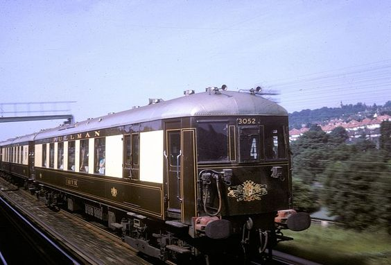 The Brighton Belle passing Purley Oaks at speed in June 1964.