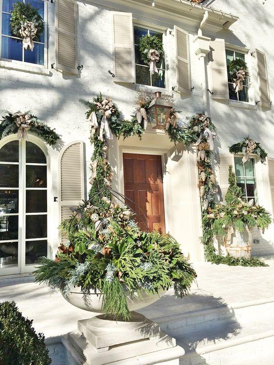 Beautiful designer showhouse for the the holidays in Atlanta, 2016. #holidaydecor #frontdoordecor #christmasdecor #FrenchChristmas #FrenchCountry