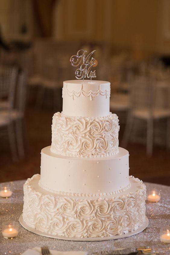 35 Chic And Elegant Wedding Cake Ideas We Are Obsessed With Simple Wedding Cake Buttercream Wedding Cake Beautiful Wedding Cakes